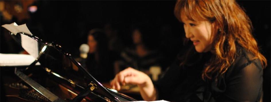 西宮・夙川PianoClubでジャズを中心としたライブとおいしいお酒をお楽しみください